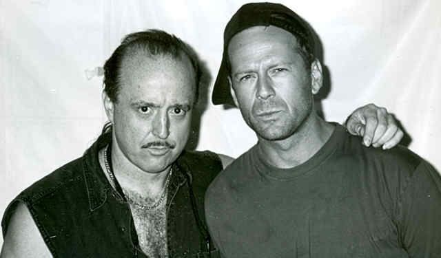 Kim_Wilson_and_Bruce_Willis[1].jpg